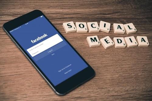 social-media-facebook-selling